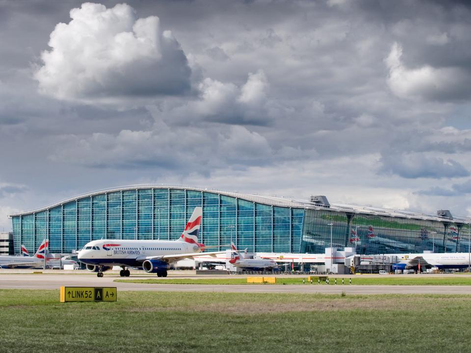 ロンドン・ヒースロー空港(LHR)