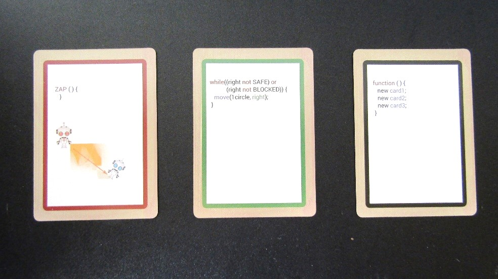「Coder Minds」のカードの組み合わせによるプログラミング