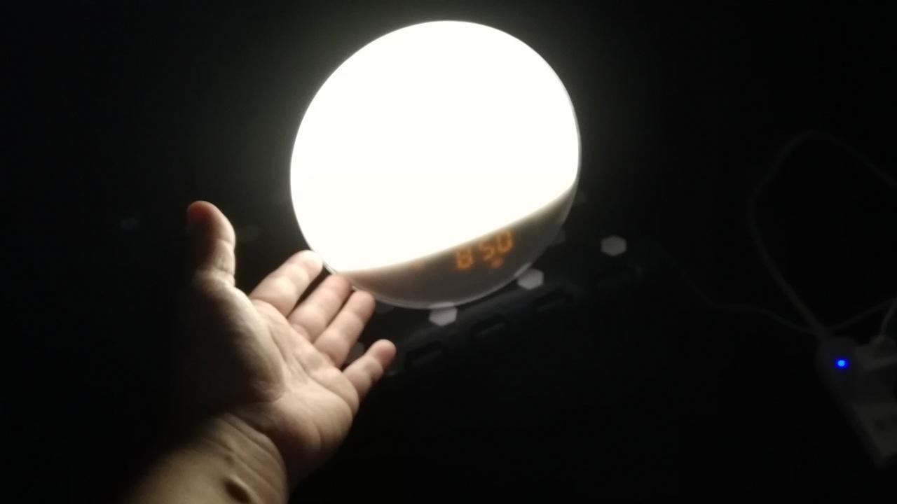 「Wake Up Light」が点灯しているところ