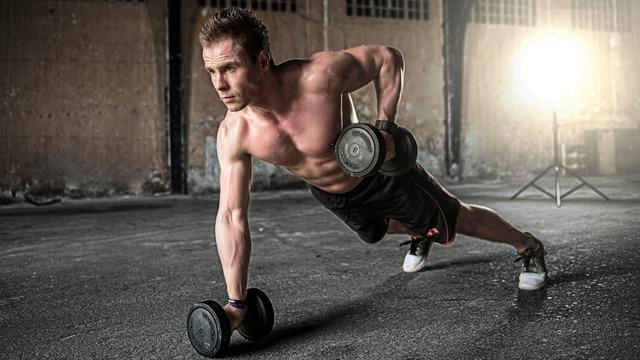 トレ に 筋 寝る 前 寝る前の筋トレには要注意。筋肉を減少させてしまう、その理由とは?