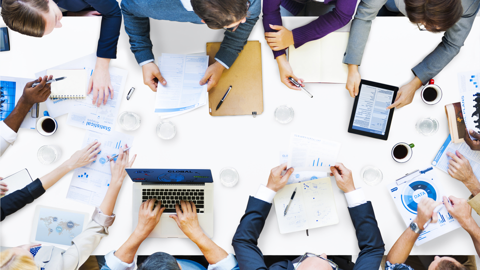 会議の質を高め効果的に時短するコツ|時間は30分、参加者は7人まで ...