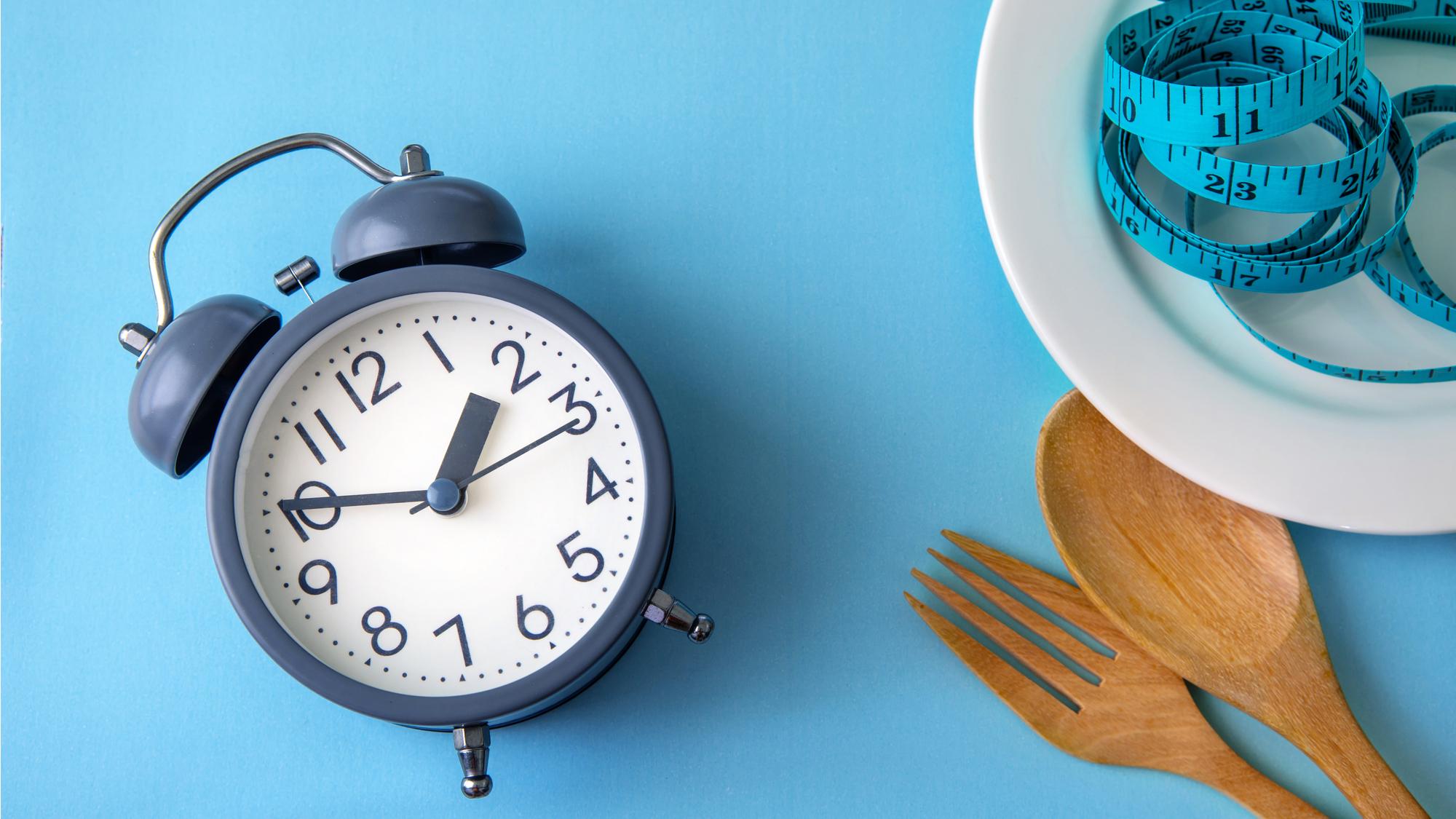 タイミングを変えて食欲抑制、14時までに食事を済ませるプチ断食法