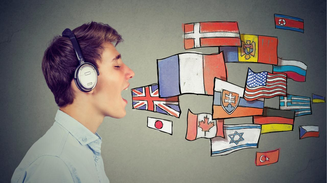 複数の言語を話す男性