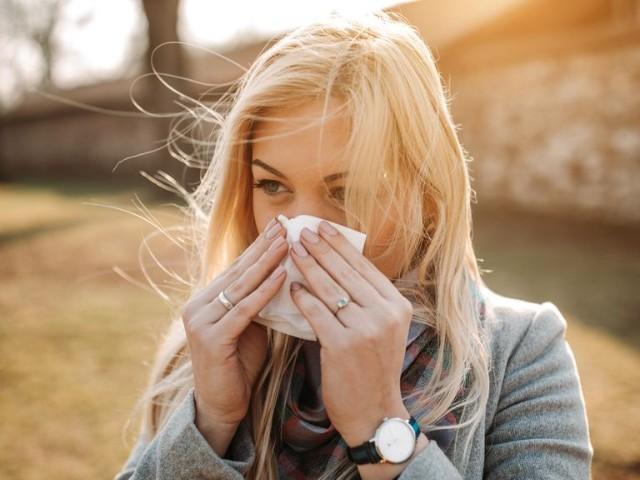 秋の花粉症対策|代表的なアレルギー症状8つ