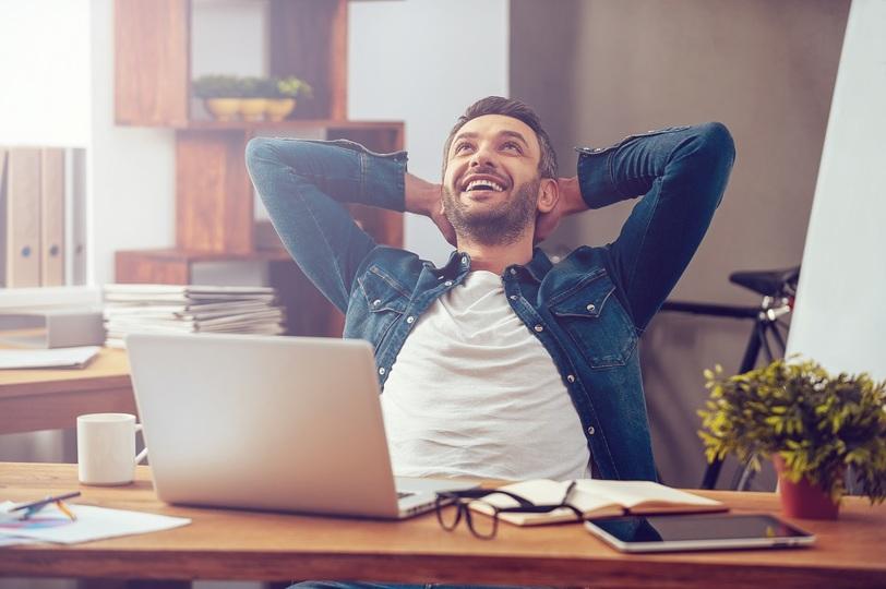 起業家のベストセラー作家が説く「幸せになるための究極の原則」とは?