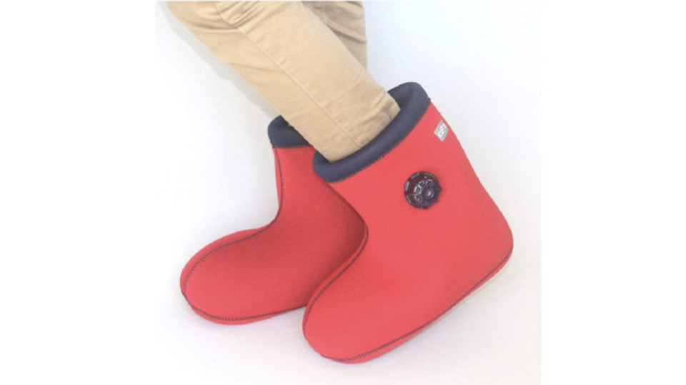 Photo of A new type of hottie that can be worn easily and fits your feet with a boot shape