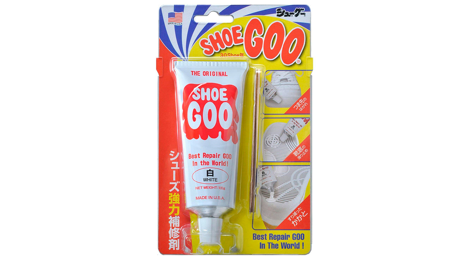 Photo of Peeling off toes, reducing heels, and preventing slipping of soles with just one. Repair material just to apply shoes