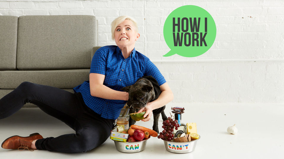 Photo of Email stress is reduced with Google Calendar. Work style of Hannah Hart, a popular YouTube program host