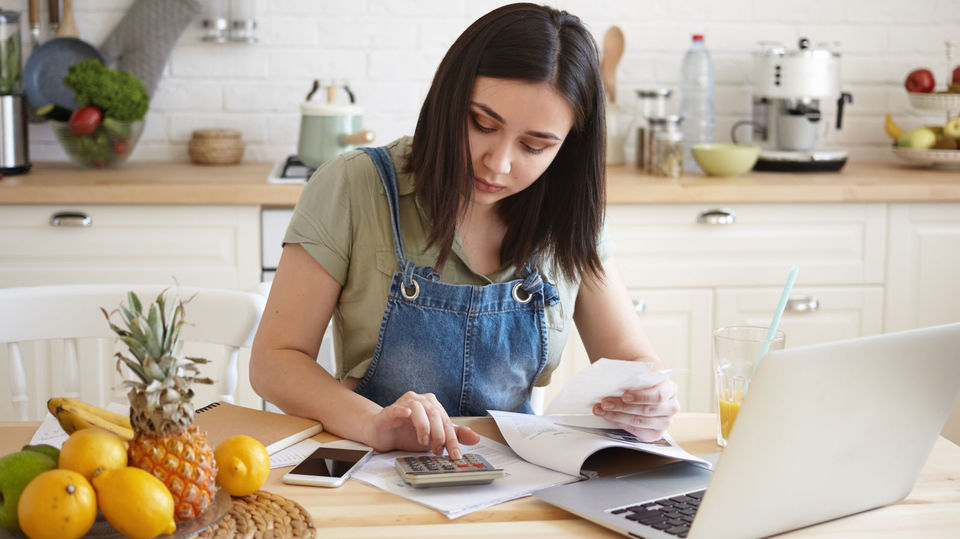 Photo of Two ways to create a savings month and efficiently review your household budget