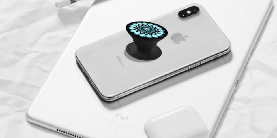 "Photo of ""Pop Sockets"" Make Smartphones Easier to Use 