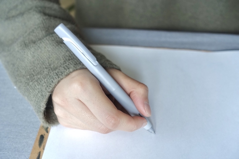 """Photo of Even though it is 150 yen, the writing comfort is the strongest. The ball pen """"Bren"""" designed by nendo is the best!"""