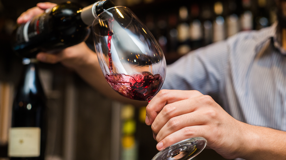 Photo of Do you know how to keep the red wine you drank a little longer?
