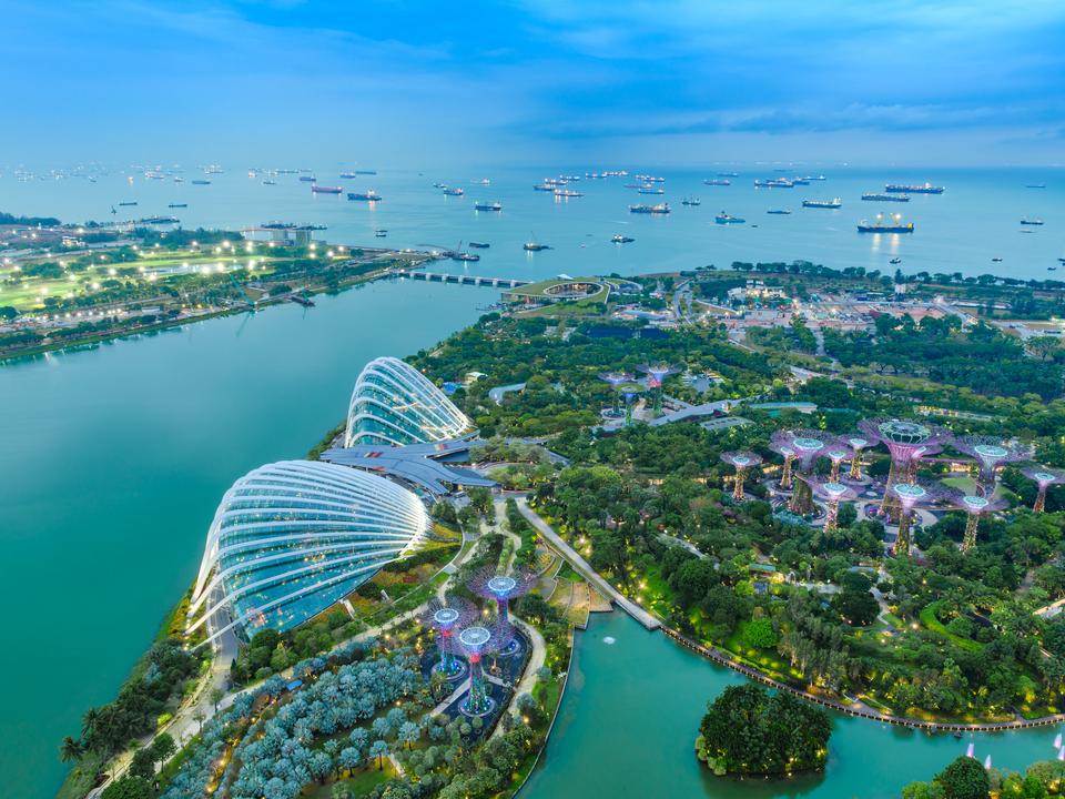 シンガポール。