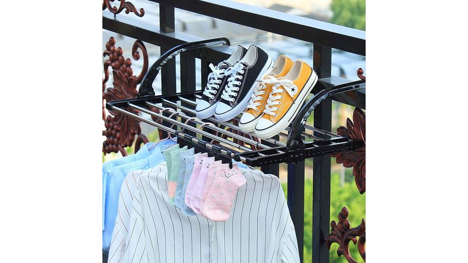 Photo of The clothesline can be efficiently expanded just by hooking. A telescopic hanger like a shelf where you can hang big towels and shoes