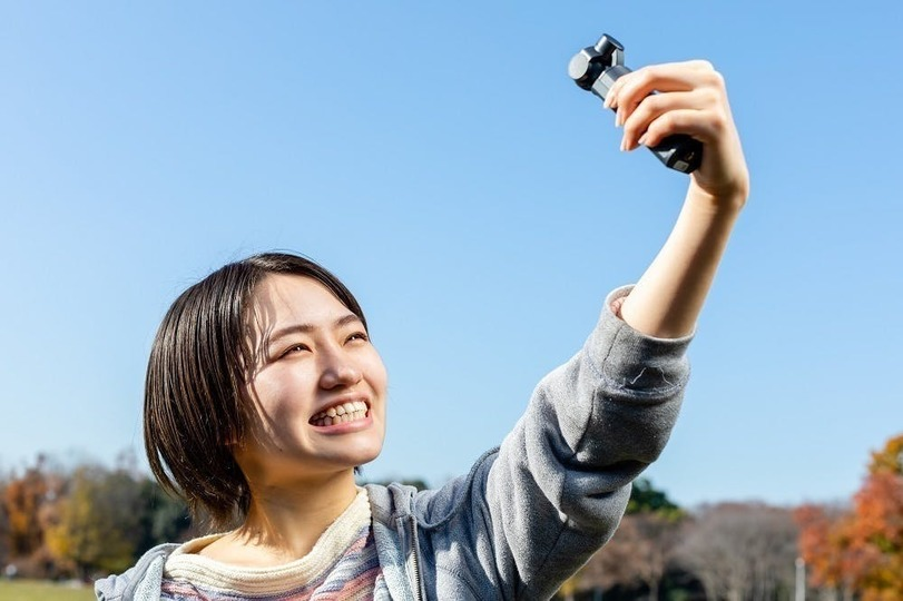Photo of GimbaLuce, a 4K gimbal camera that is lighter than a single battery