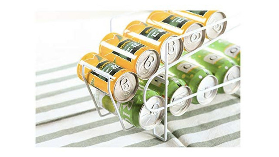 """Photo of Both canned beer in the refrigerator and stock in cardboard are neatly organized! Can stocker like """"Pythagora device"""""""