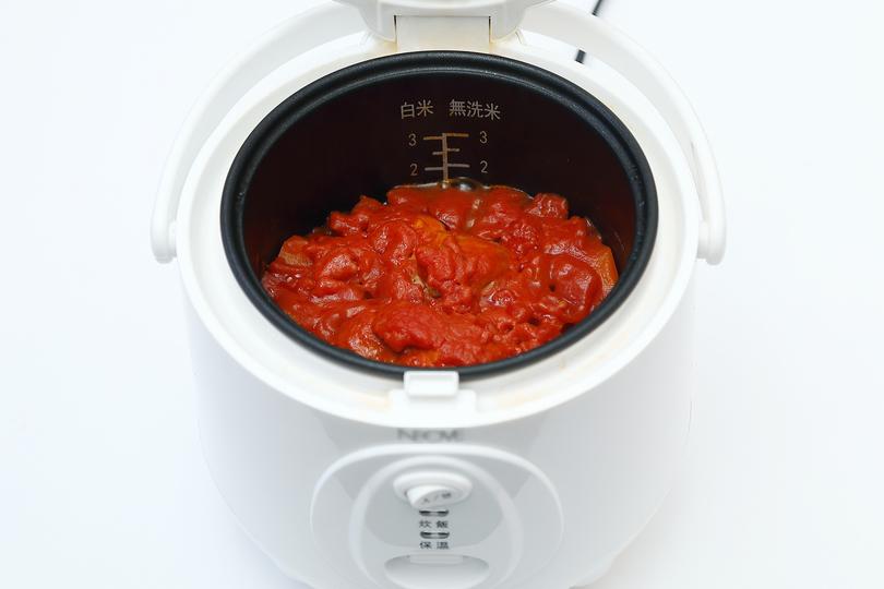 炊飯後の鶏肉のトマト煮