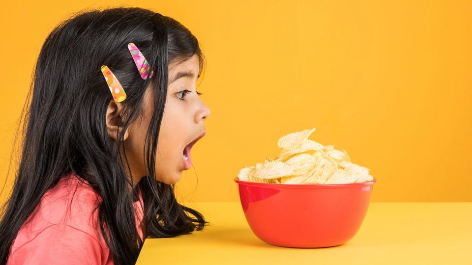 Photo of How to solve the problem of overeating snacks for children who stay home all day long