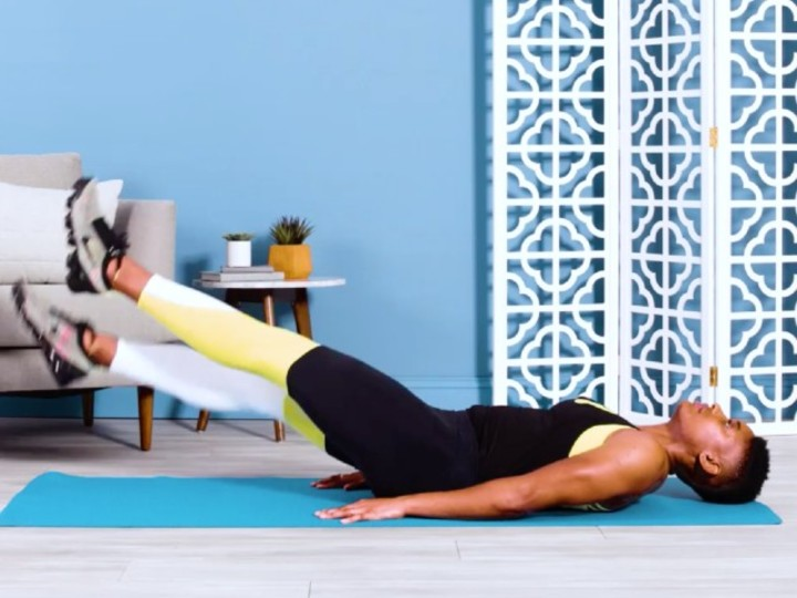 Photo of Improve posture with muscle training that effectively trains leg patters and abdominal muscles while lying down