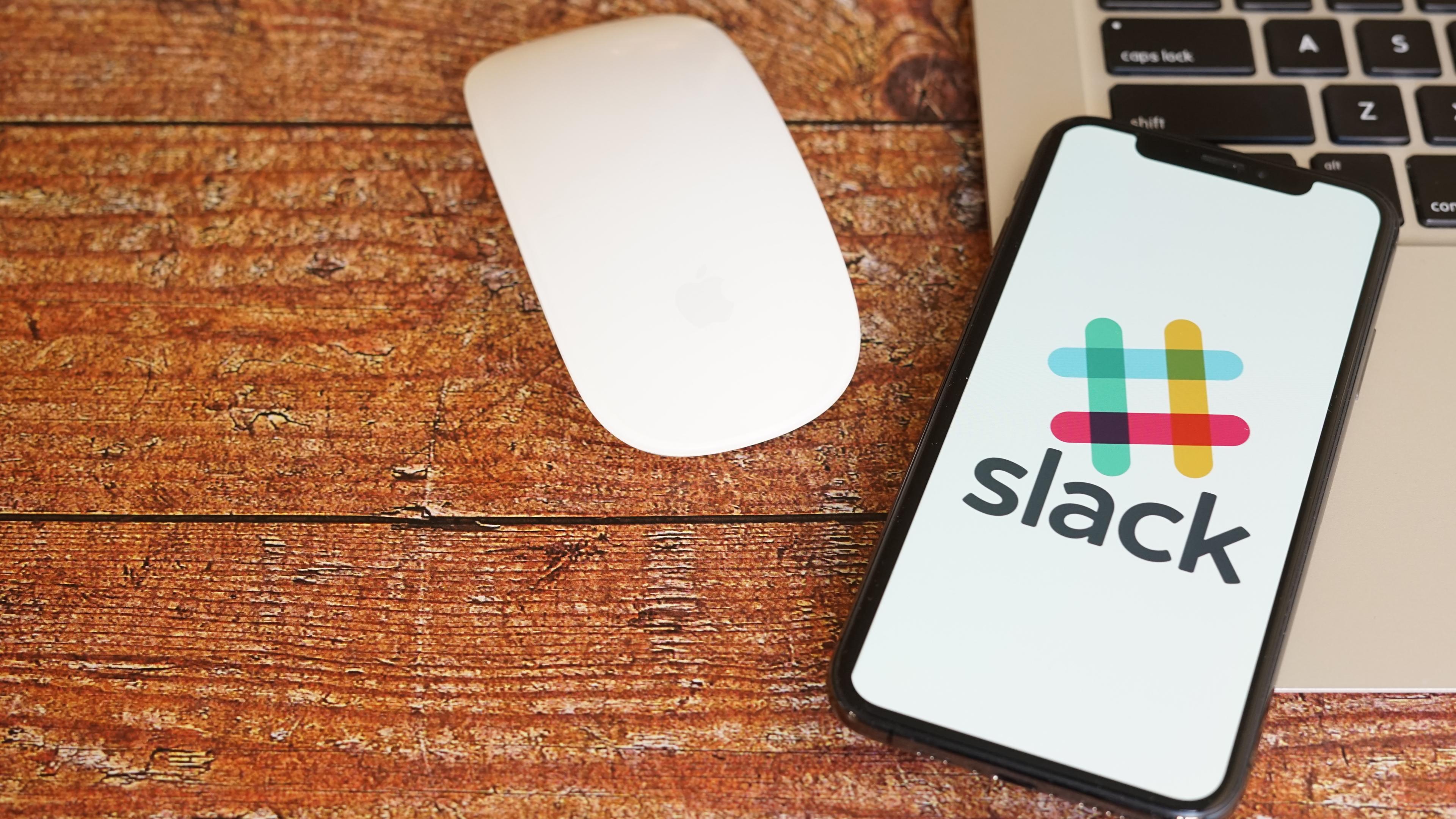 リマインダー slack Slackのリマインダーの機能と使い方!活用方法も解説!
