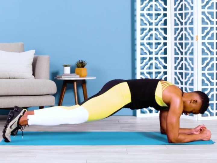 """Photo of Can you keep it for 1 minute? Basic """"plank"""" of core muscle training"""
