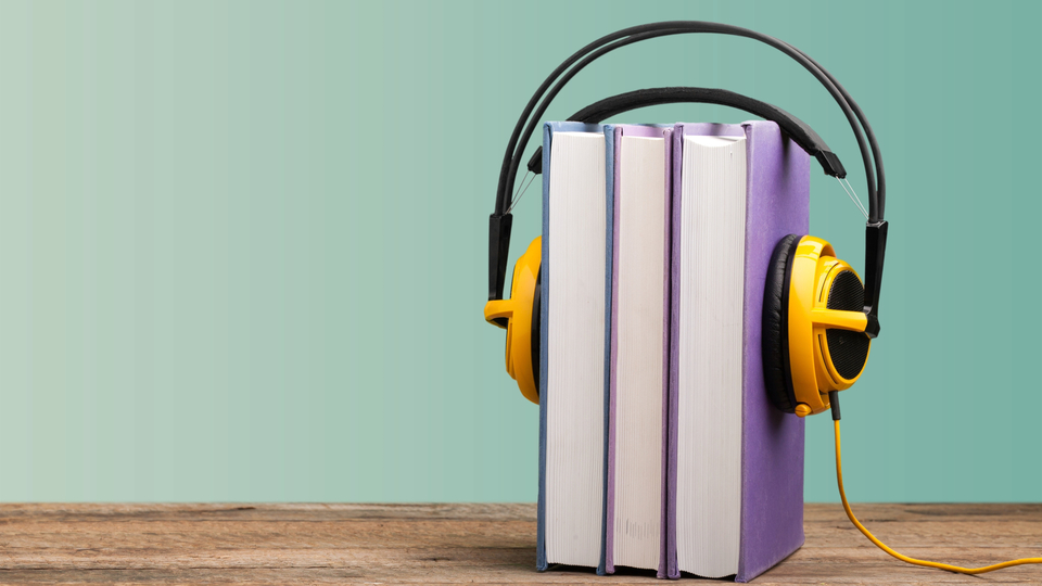 Photo of What is the difference between a podcast and an audiobook? Compare price and ease of use