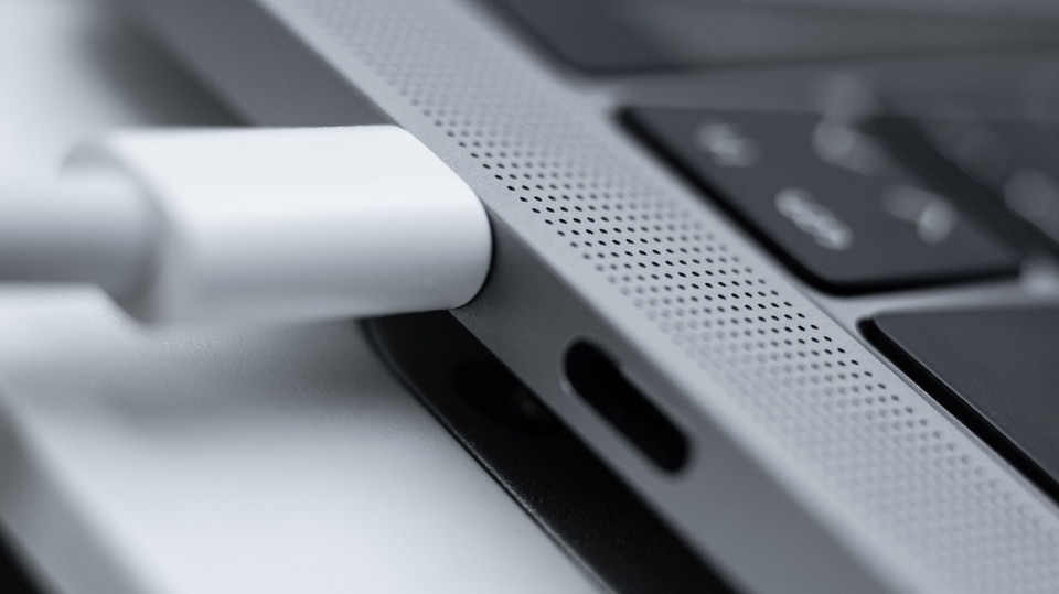 Photo of Is your Macbook charging cable plugged into the wrong port?