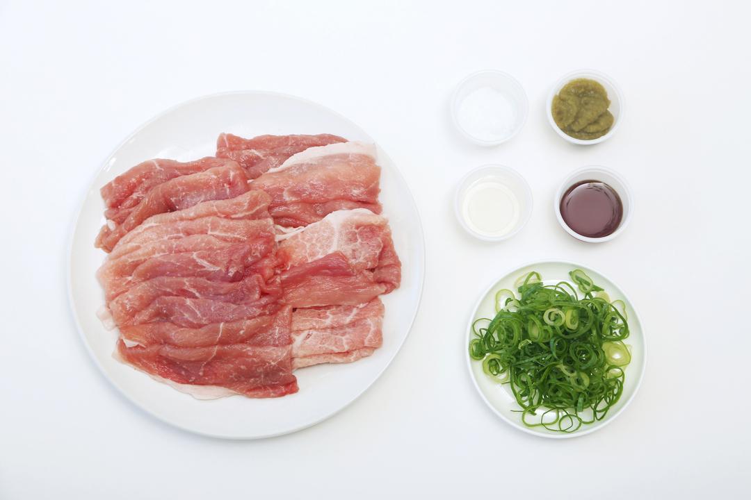 ゆで豚の柚子胡椒和えの材料