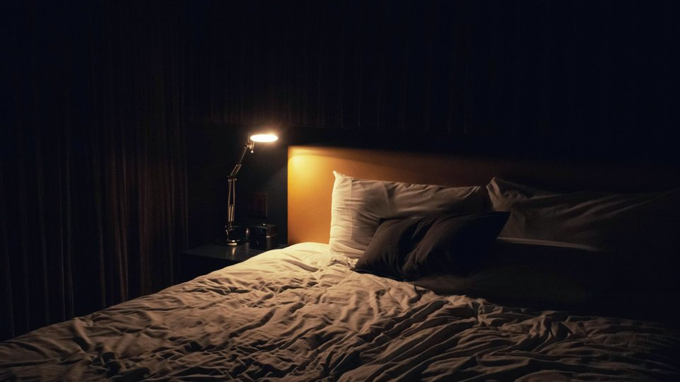 Photo of If you want to improve your sleep quality, there are two evening habits you should change