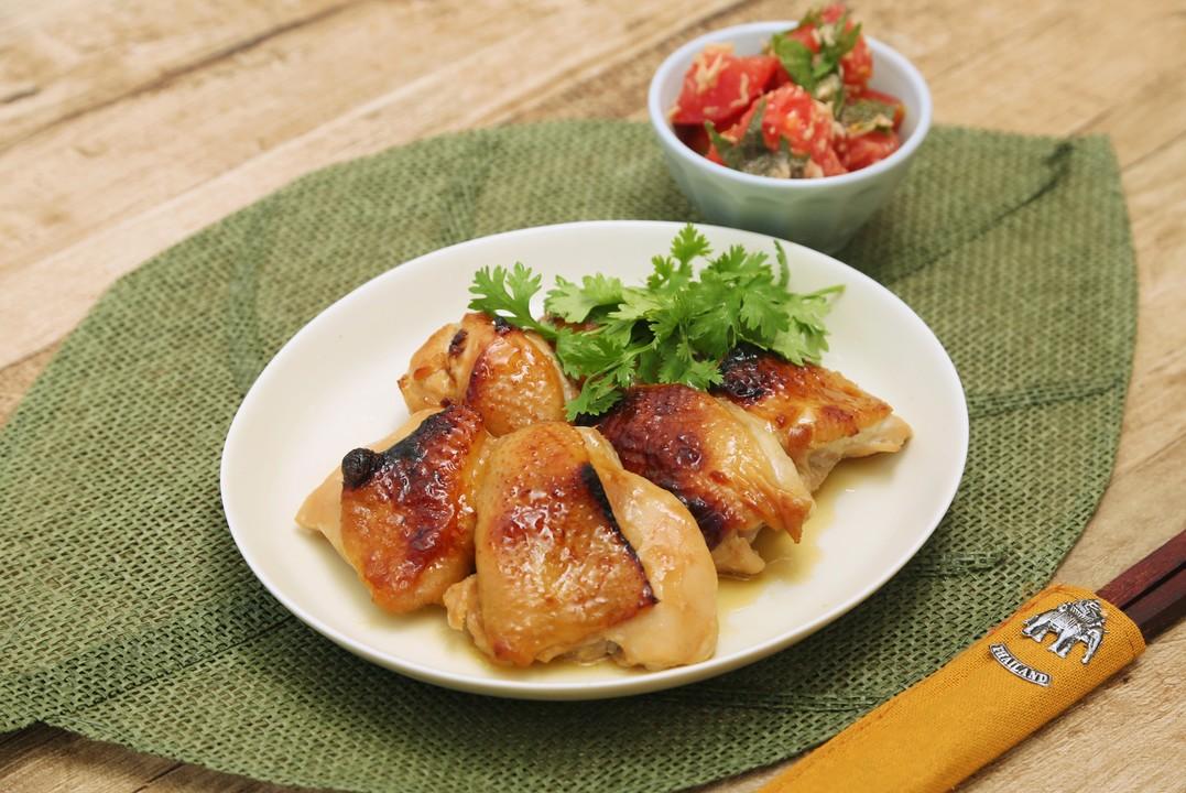 鶏肉のガイヤーン風とトマトとツナのしそサラダ