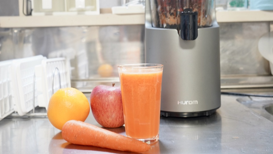 "Photo of Easy with one touch! I tried using ""H-200"" that can make vegetable juice at home"