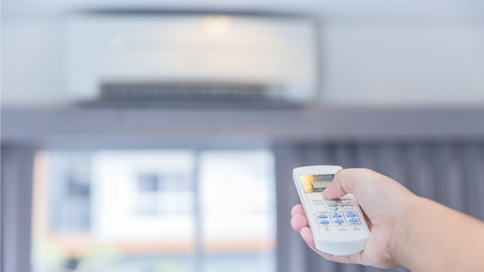 部屋の効率的な換気とエアコンの節電を両立させる方法