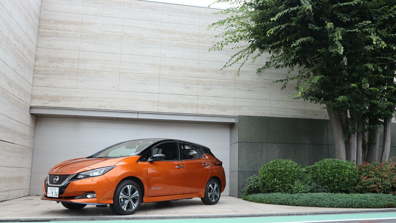 nissan_leaf_top