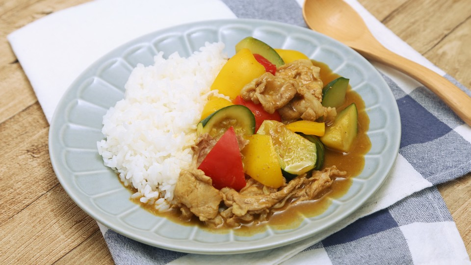 """Photo of Simple recipe for """"summer vegetable pork curry"""" made in microwave oven 