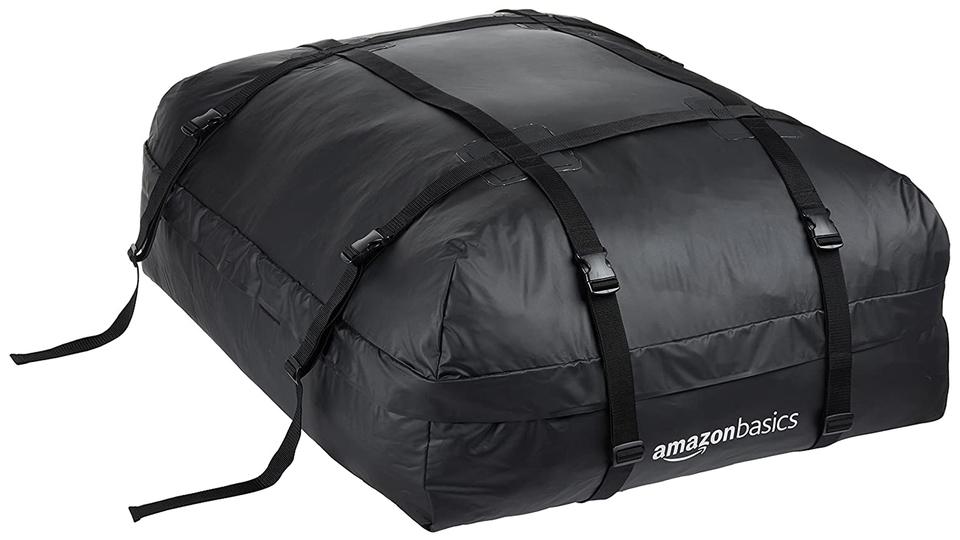 車の上に収納スペースを簡単に増やせる「ルーフトップカーゴバッグ」