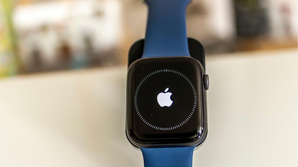 watchOS 7のフィットネスAppやバッテリーの不具合への対処法