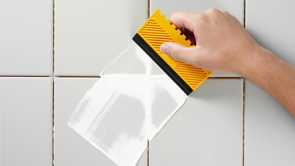 キッチンの油汚れを防ぐ「バックスプラッシュ」を安価にDIYで作る方法