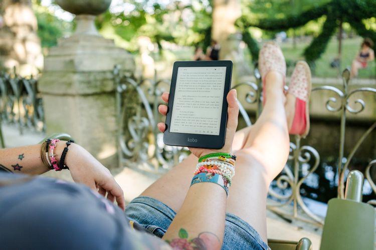 reading-a-kobo-ereader