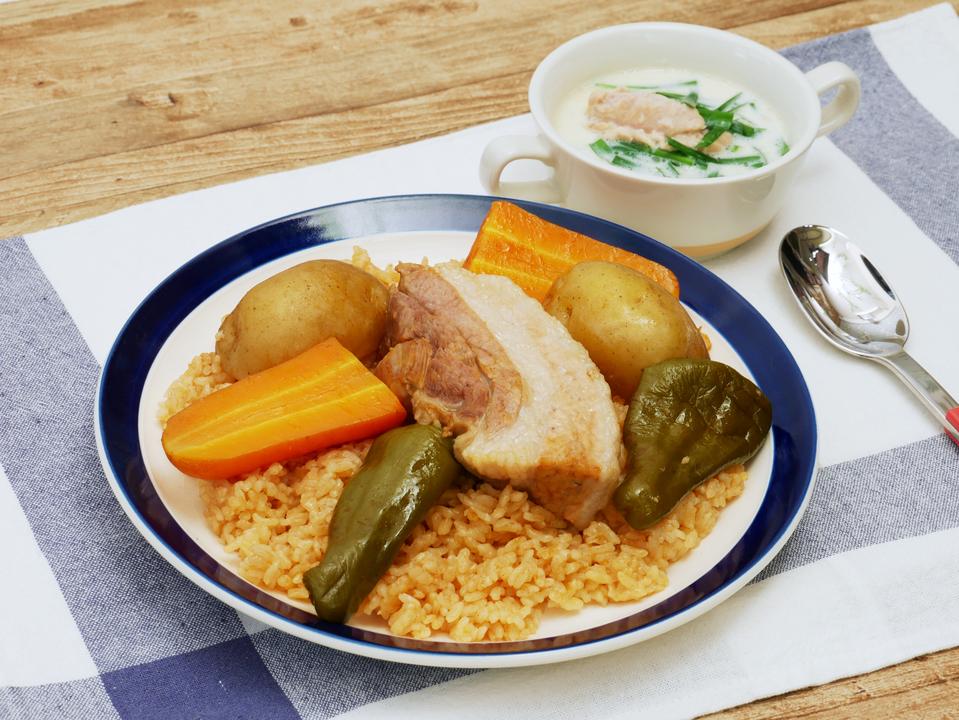 豚肉のBBQライスとニラとツナの豆乳スープ