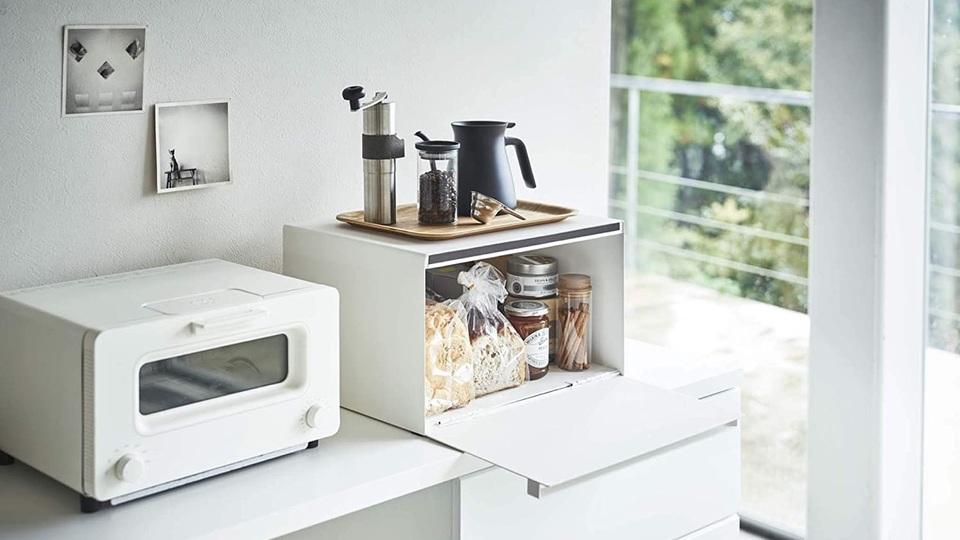 パンや紅茶、調味料をスッキリ収納できるブレッドケース
