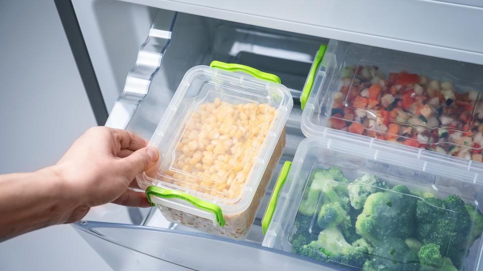 解凍した食品は再冷凍しても問題ないのか?