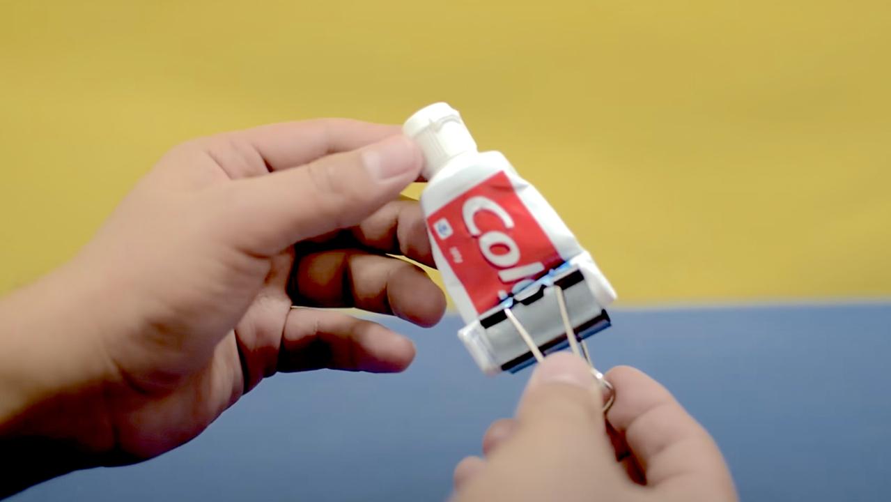 歯磨き粉スクイーザー