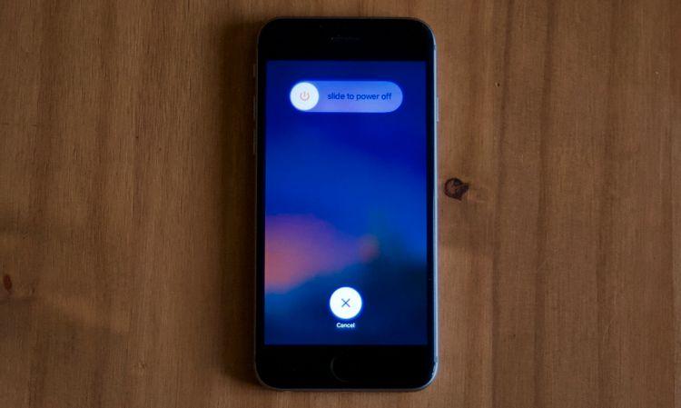 iPhoneの電源オフ画面