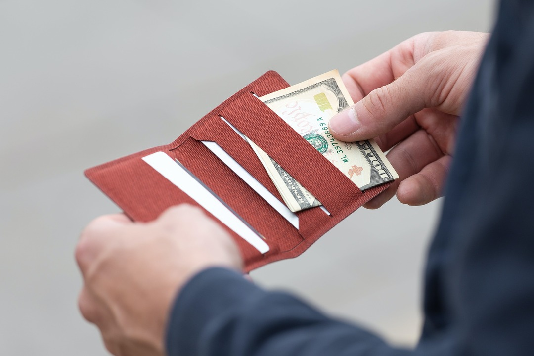 wramer_carry_wallet_J