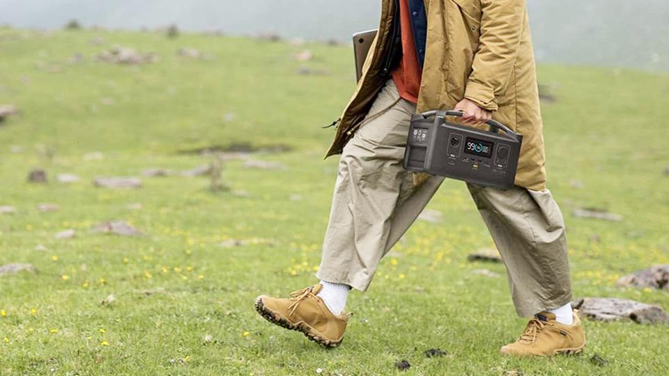 ライフハッカー[日本版] PC&家電ライター・コヤマタカヒロさん 【2021年】ポータブル電源おすすめ12選 プロが選び方解説!キャンプや災害時に備えよう