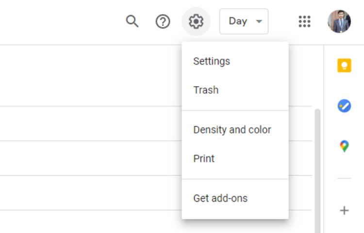 Google カレンダーで設定を開く様子