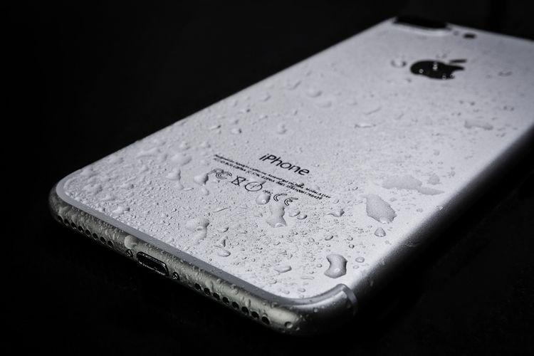 濡れたiPhone