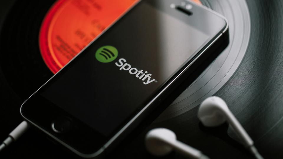 音楽系サブスクを5つ比較! Apple MusicやSpotifyの代わりは?