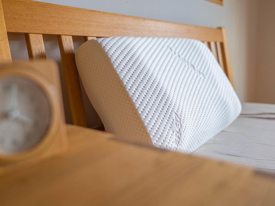 温度調整快眠枕「SEDA」