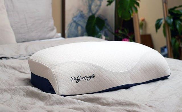 フカフカの気持ち良さと首のサポートを両立した快眠枕「Dr. good night」